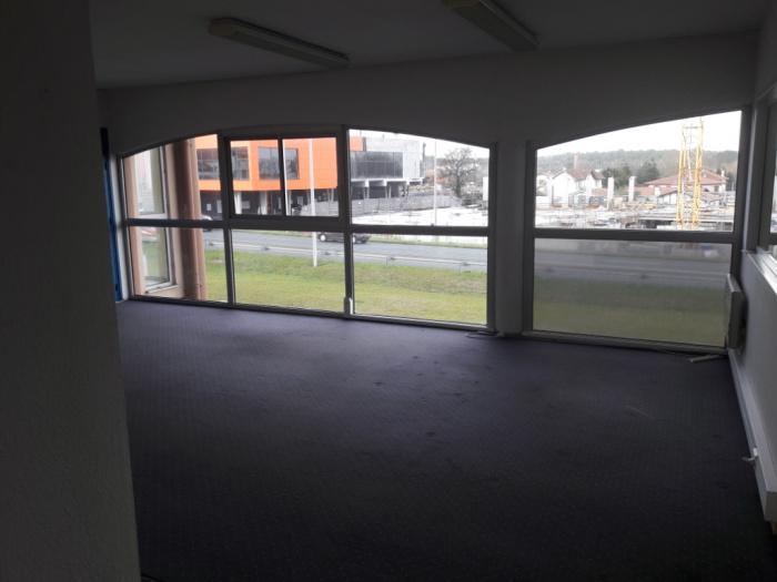 Bureaux Anglet 1 pièce(s) 130 m2
