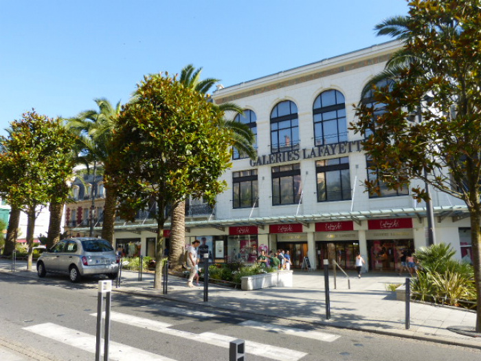 Local commercial BIARRITZ